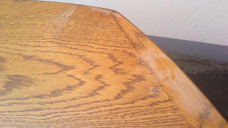 Tisch und Stühle aufgearbeitet Image